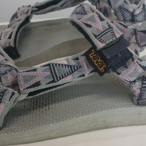 Womens teva sandals pink gray sz 10